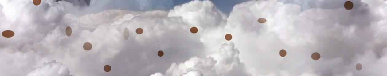 Nubes de lunares. Un paseo por las nubes.
